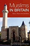 Portada de MUSLIMS IN BRITAIN: RACE, PLACE AND IDENTITIES BY PETER HOPKINS (2009-03-23)